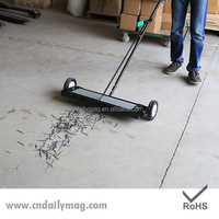 High Quality Rolling Powerful Magnetic Manual Floor Sweeper