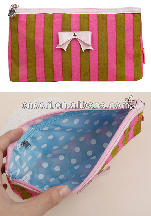 Hot Selling Cosmetic Bag description of traveling bag