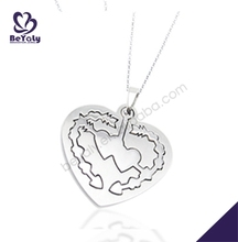 Special shiny design with moral fall in love heart magatama pendant