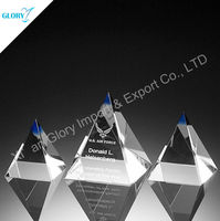Customized engraved optical glass 3d laser crystal pyramid