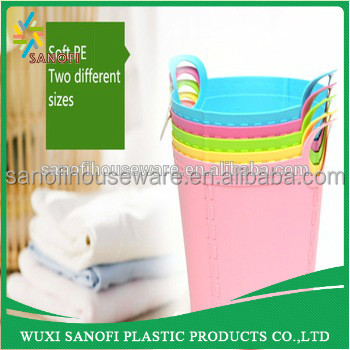 Round shape washing flexible handle plastic laundry basket