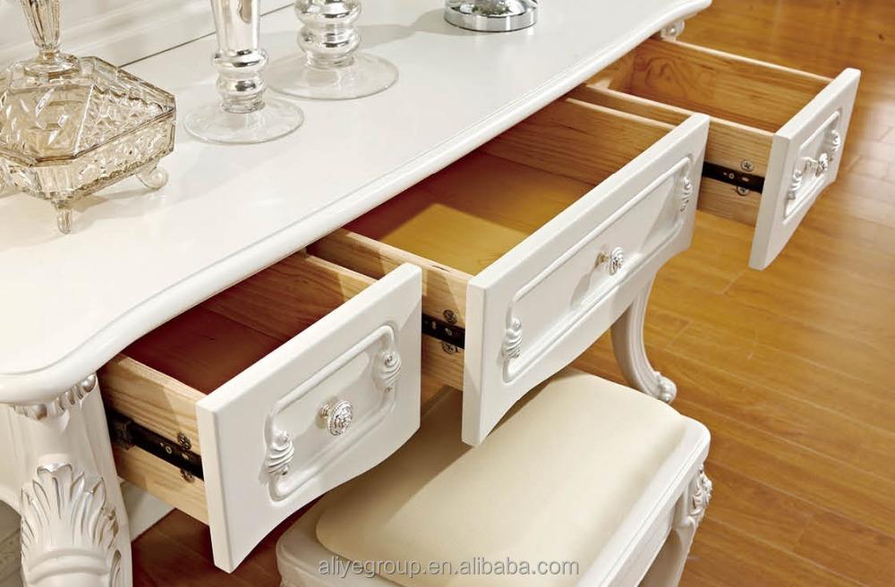Antique fran ais reproduction meubles coiffeuse for Chippendale meuble