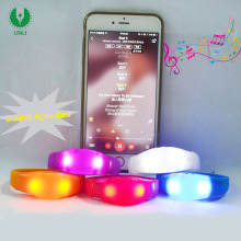 Custom New Plastic Promotion Flashing Bracelet Glow Blinking Color Light Up Wristband Party Music Sound Activated Led Bracelet