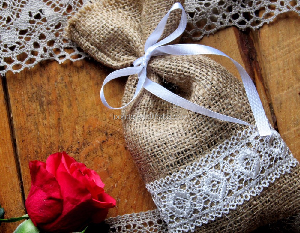 Rustic burlap with white lace candy favour gift bag for bridesmaid party