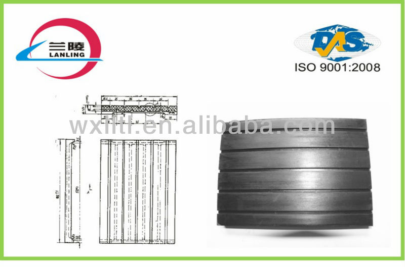 Rubber plate with grooved insulation