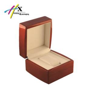 Top Quality Wooden Watch Packaging Box with Velvet Pillow