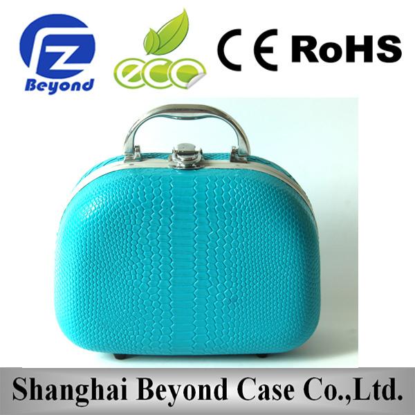 Custom hard shell cosmetic case