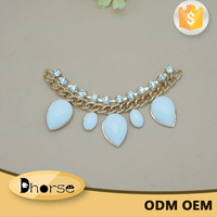 Wholesale decorative resin rhinestone neck chain for clothes