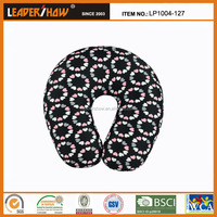 adult age group and microfiber memory foam travel neck pillow
