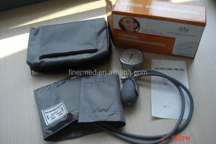 Deluxe Palm Sphygmomanometers (SP-205 ).jpg