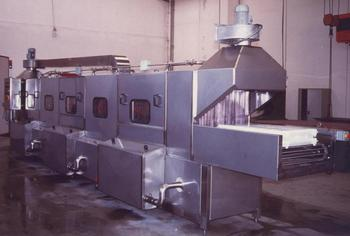 Tunnel Washing Machine For Crates, Moulds, Cans Etc.
