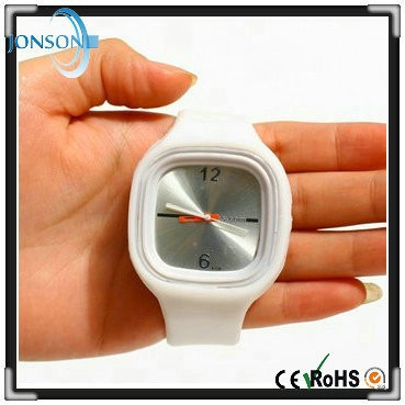 White color cute square face new custom wrist watch with silicone band