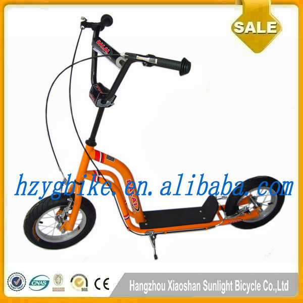 European style two footed easy rider scooter
