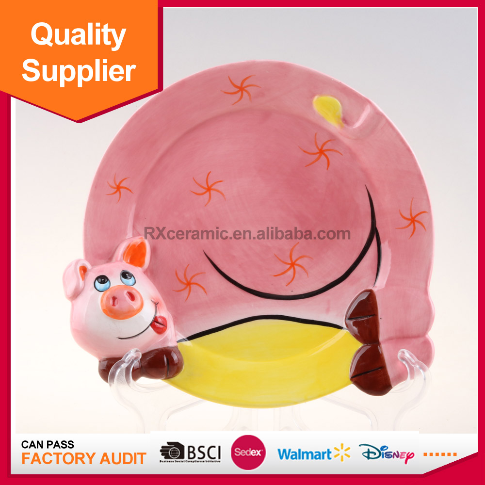Hot selling hand-painted pig shape porcelain dessert plate