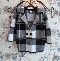 wholesale new 2016 European and American fashion girls long-sleeved knit black and white plaid coat