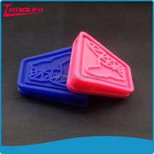 silicone rubber label custom silicone cover debossed logo silicone dog keeper