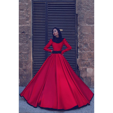 2018 Red Wedding Dress Long Sleeves Bridal Gowns High Neck Satin Fabric Gorgeous Muslim Arabic Wedding Dresses