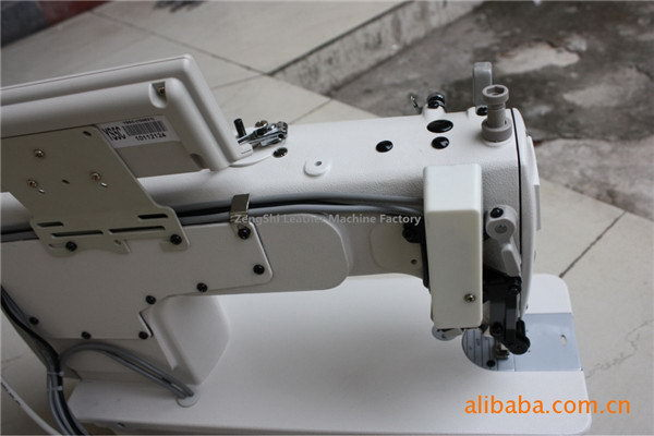 Quality latest machine sewing and embroidery machine