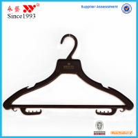 wholesale high quality custom creative plastic drying clothes hanger
