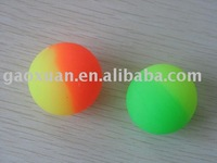 Two-tone rubber ball
