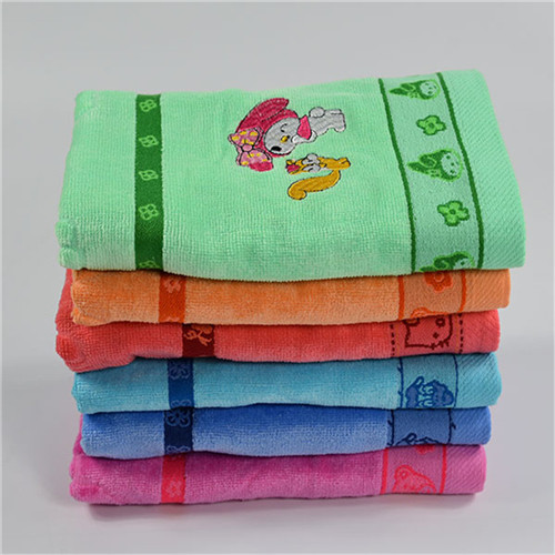 Clearance small size 50*100cm 190g velvet embroidery kids Bath Towel