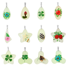 Custom Shape Light green Made With Real Leaf clover Pattern Stars Glow In The Dark Resin Charm Pendants