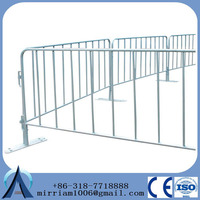 galvanized crowd control barrier/grassland fence/movable fence for construction sites