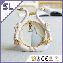Cheap Golden Double Swan Photo Picture Frame for Party Decoration Made in China