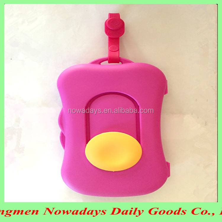 China manufactured plastic portable baby wipe case