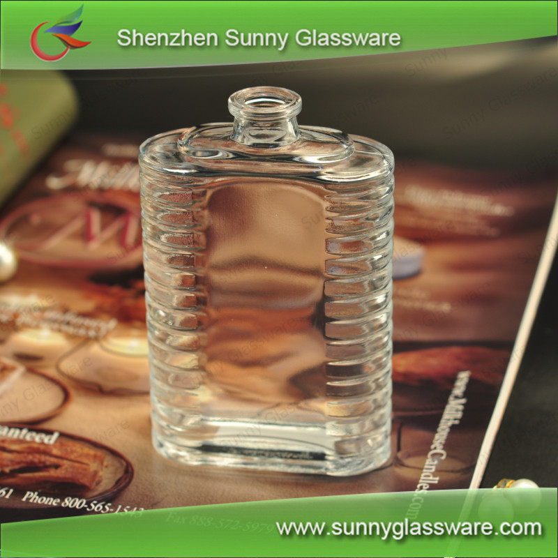 Transparent Glass Perfume Bottle with Rib Pattern Used in Car