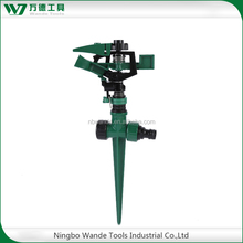 Plastic reliable sprinkler lawn sprinkler with step spike