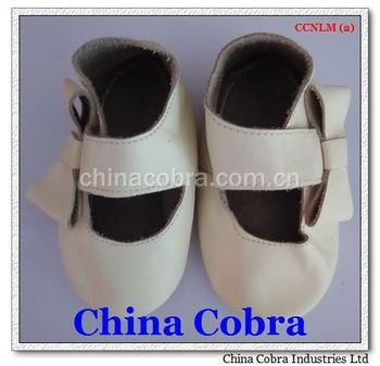 CHINA COBRA 2015 newest popular high quality cow leather sole baby moccasins CHINA COBRA camo moccasins