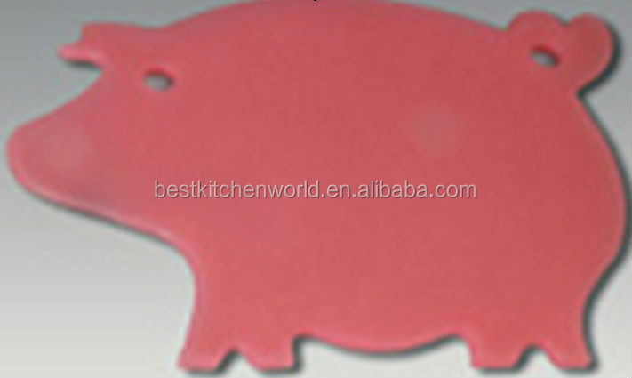 Tinyuen NEW STYLE 100% FOOD GRADE PIG SHAPE PLASTIC CHOPPING BOARD