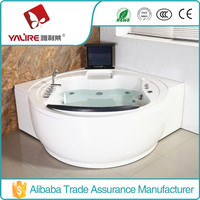 2015 hot selling luxury jet whirlpool bathtub with tv