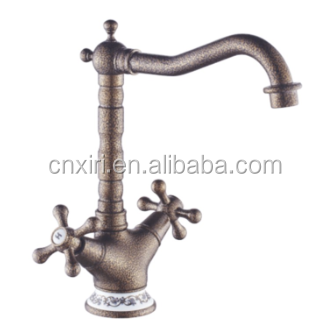 European romantic brass basin faucet Deck mounted antique retro mixer taps