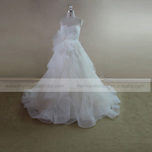 Graceful heart line ruffle ORG lace wedding dress with a handmade flower