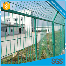 China supplier pvc coated steel welded mesh fence