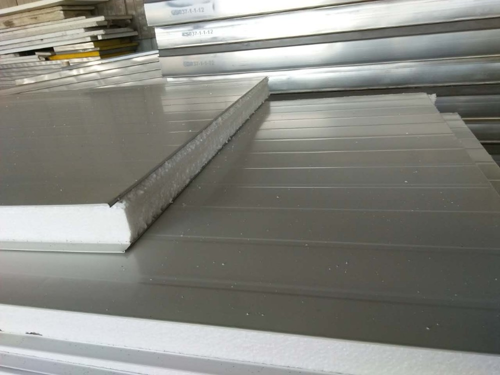 Metal Faced 50mm Thick Roof Insulation For Warehouse