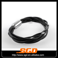 Magnetic lock leather wave bangles