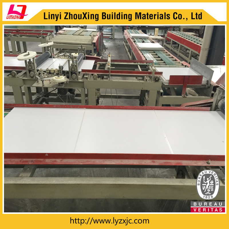 Automatic sealing machine for gypsum ceiling