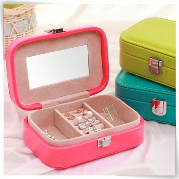 Eco-friendly handmade costom hanging leather wholesale travel portable wooden jewelry display case for cosmetic