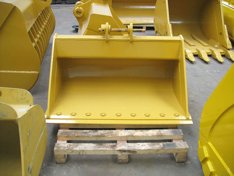 Construction machine low price Excavator Mud Bucket with bolts and nuts on cutting edge