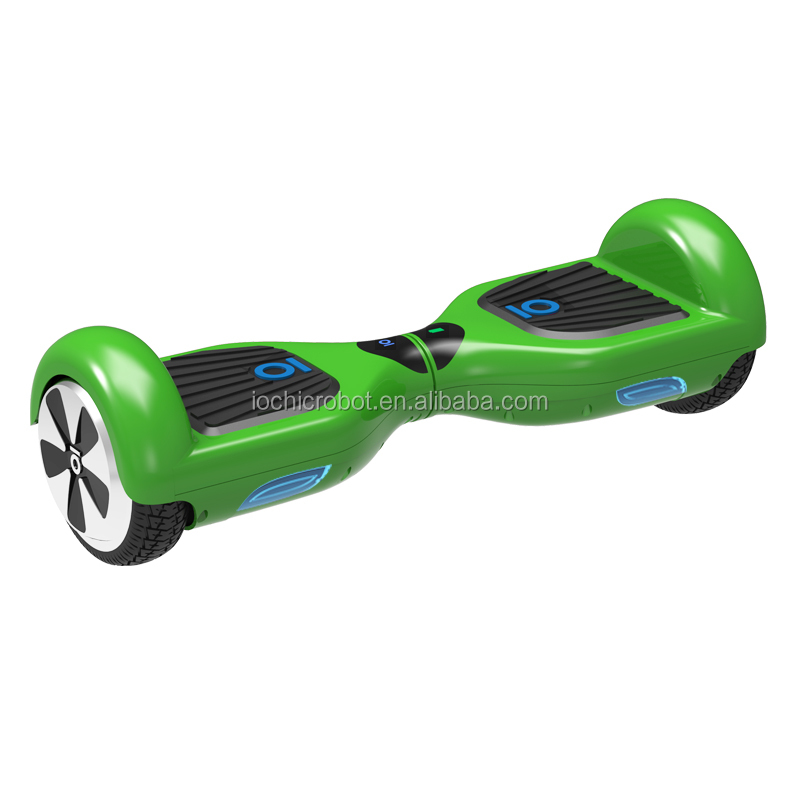 IO Chic Smart Mini Electric Skateboard Cheap Hoverboard Adult Electric Motorcycle