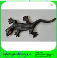 Ornamental Wall Mountable Cast Iron Lizard Garden Ornament
