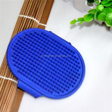 Dog rubber comb in China bathing grooming tools