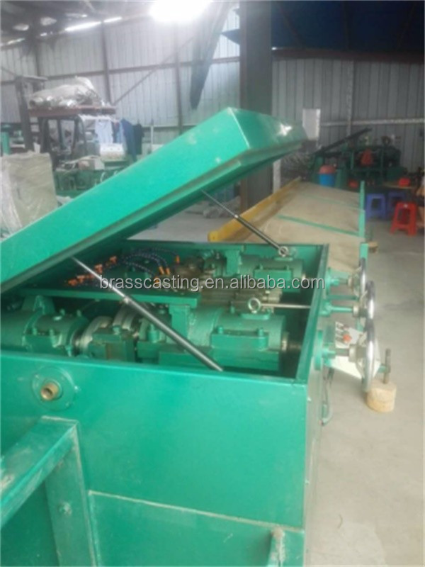 Fast speed straightening machine for copper pipe
