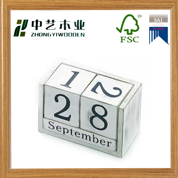 New customized Hot new fashion best selling product quality craft Standing wood Desktop Monthly Calendar made in China