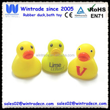4cm mini toy duck with two small duck wings