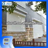 Outdoor roller shutter door