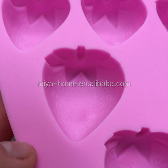 New design DIY Strawberry Ice Tray / 10 Strawberry silicone Grid Mold / Chocolate Pudding Mold